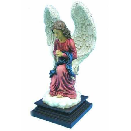 Rukoileva enkeli 58 cm alustalla